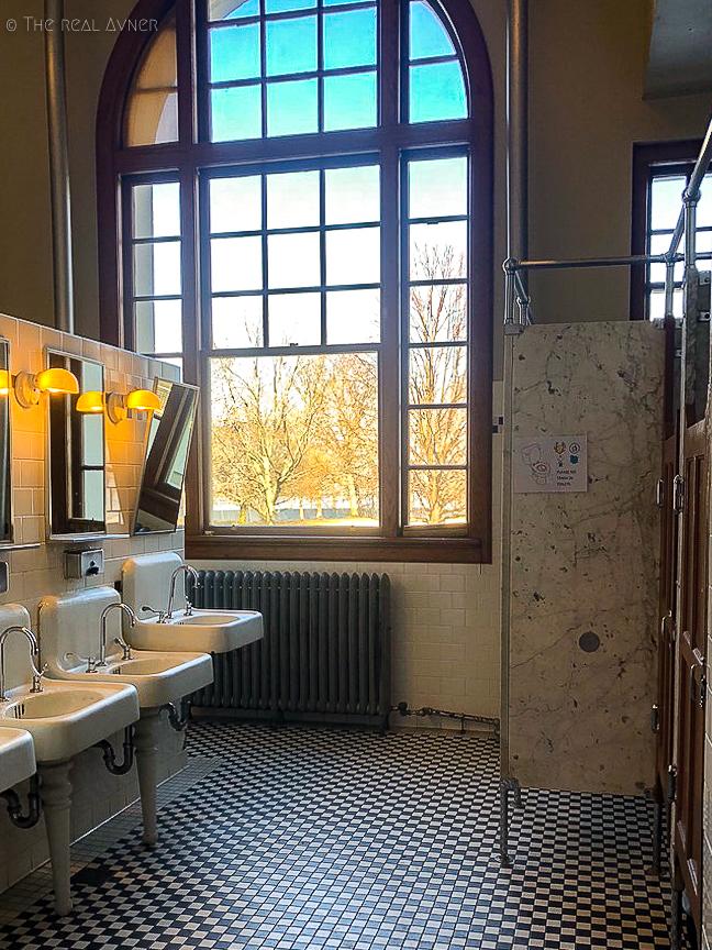 toilettes-vintage-ellis-island